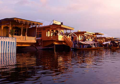 houseboat-srinagar